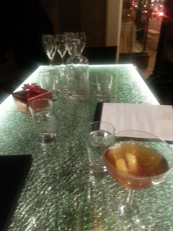 Pops - Shattered glass table